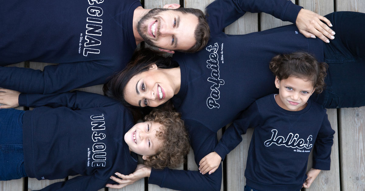 1200x630-sweat-message-famille-sweat-assorti-texte